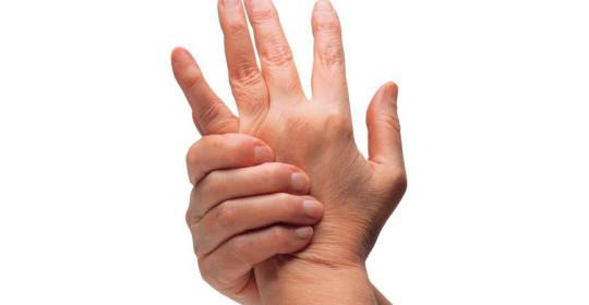вывих пальца на руке